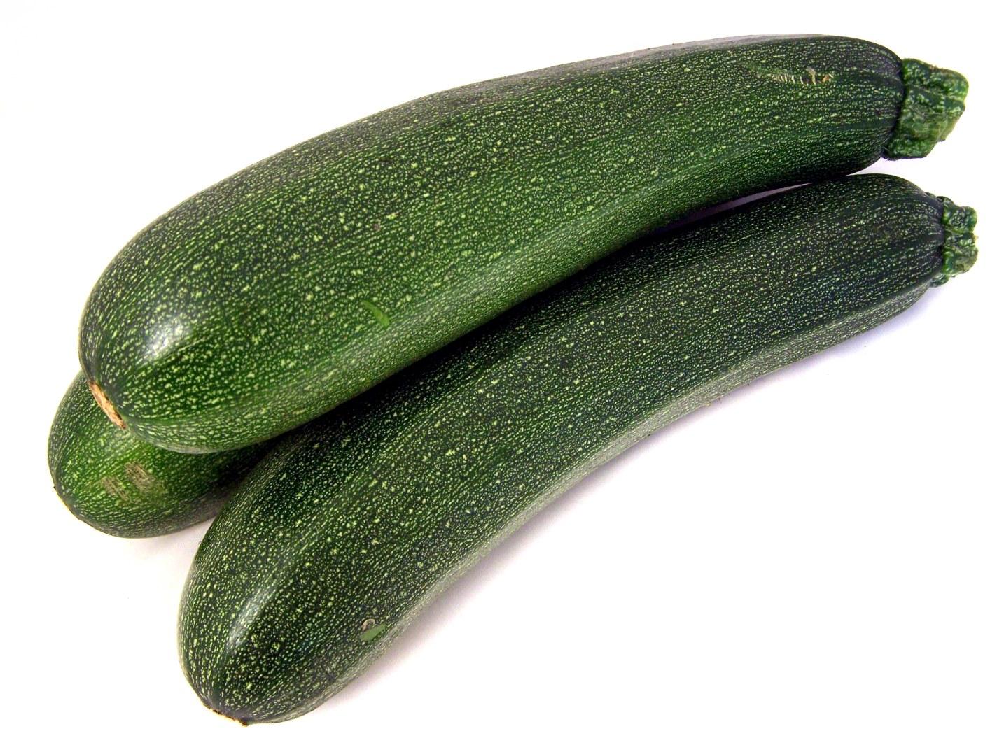kann man zucchini roh essen zucchini was kann man mit zucchini kochen worlds of gesundheit. Black Bedroom Furniture Sets. Home Design Ideas